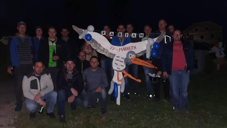 Storch in Anflug bei Familie Greindl